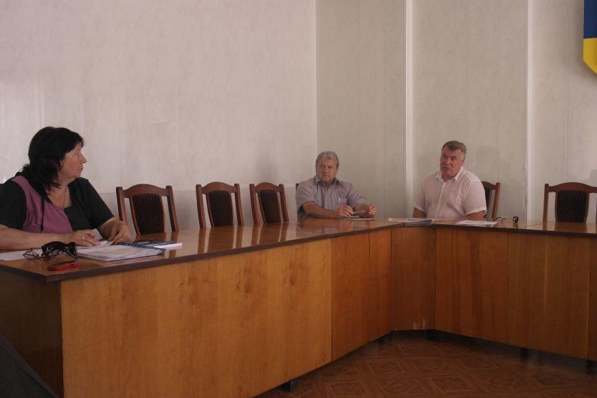 На заседании общественного совета обсудили будущее региона, дороги и патриотическое воспитание жителей Красноармейска (фото) - фото 1