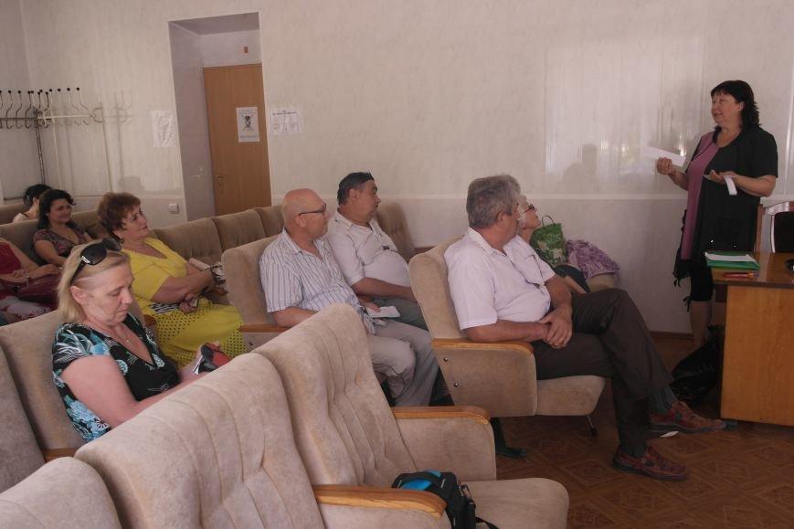 На заседании общественного совета обсудили будущее региона, дороги и патриотическое воспитание жителей Красноармейска, фото-4