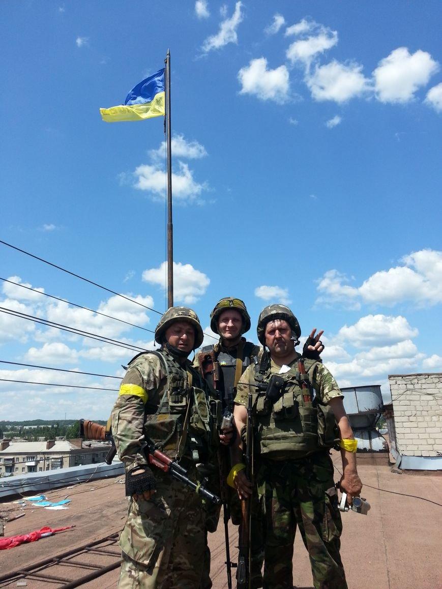 Военный корреспондент Влад Волошин: «Желаю, чтобы сыновья и дочери Славянска никогда не знали, что такое война», фото-1