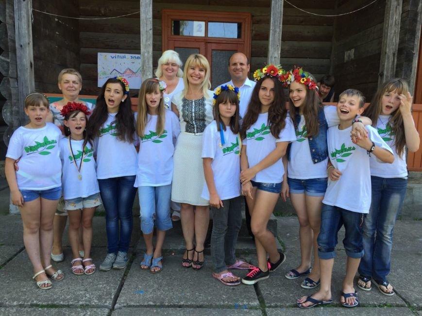 Діти з Луганщини, які відпочивали  на Буковині,  повертаються додому. Учора їх відвідала екс-в.о. голови Луганської ОДА Ірина Верігіна (ФОТО) (фото...