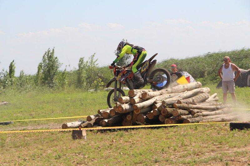 Белгородский мотоциклист победил на открытом первенстве по эндуро в Ростове (фото) - фото 1