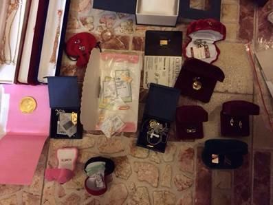 У топ-чиновников прокуратуры изъяли около 0 тыс., драгоценности и оружие (фото) - фото 12
