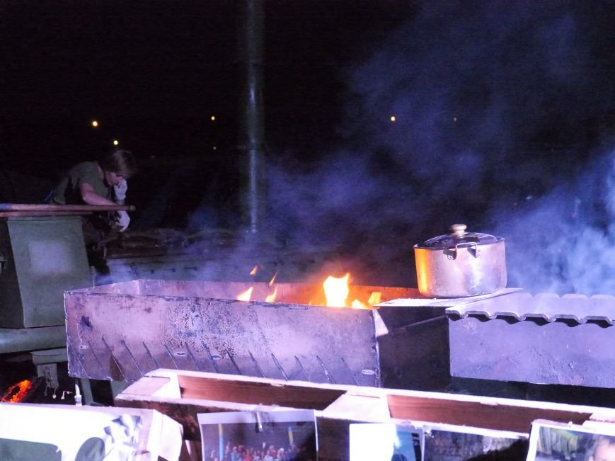 Кошти для армії: у Тернополі на польовій кухні волонтери зібрали понад 57 тисяч гривень (фото) - фото 1