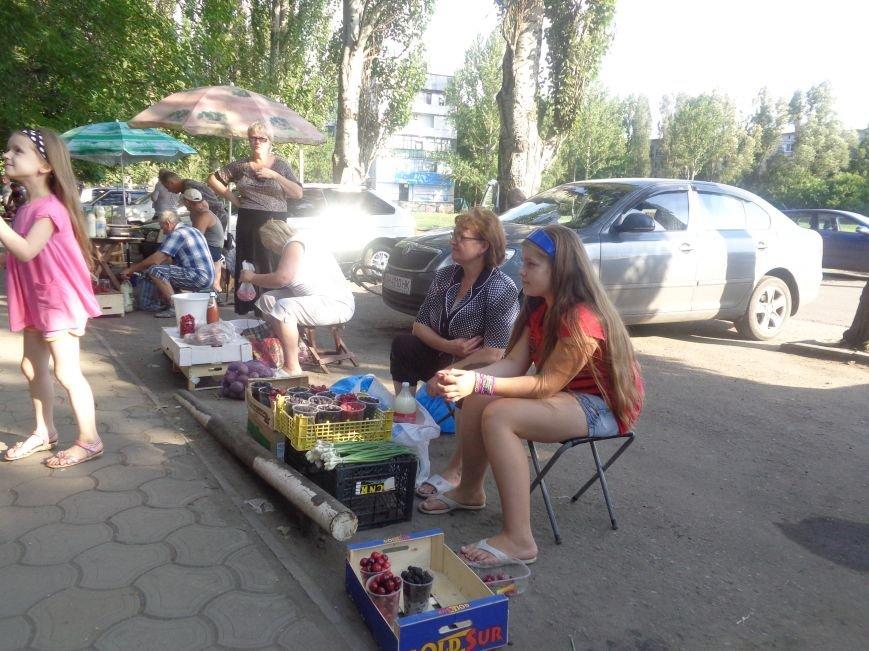 Стихийная торговля в Красноармейске: нарушить закон, чтобы выжить (фото) - фото 2