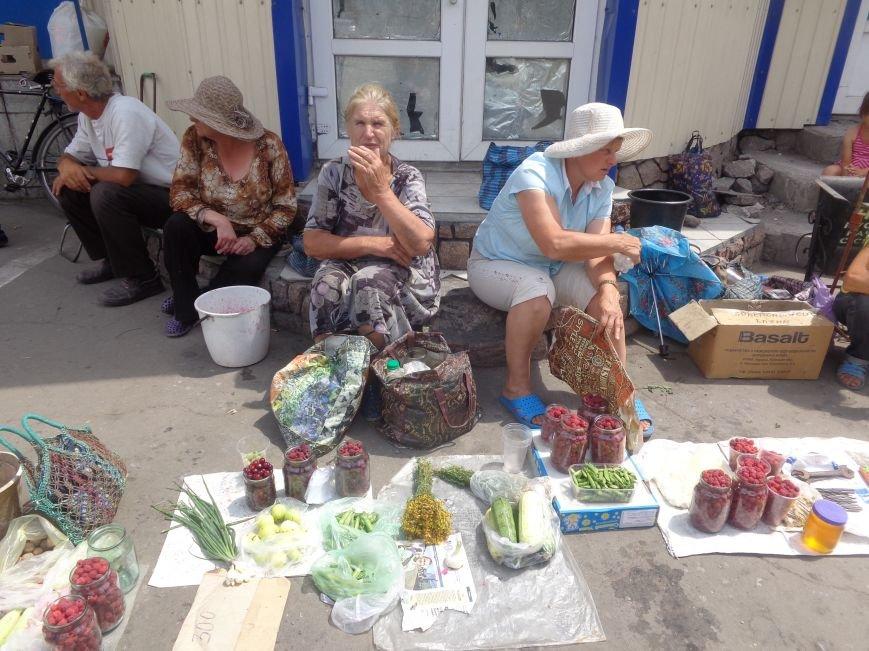 Стихийная торговля в Красноармейске: нарушить закон, чтобы выжить (фото) - фото 4