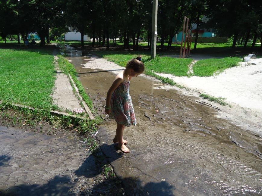 Аварийная детская площадка: где играют дети микрорайона «Западный» в Димитрове? (фото) - фото 5