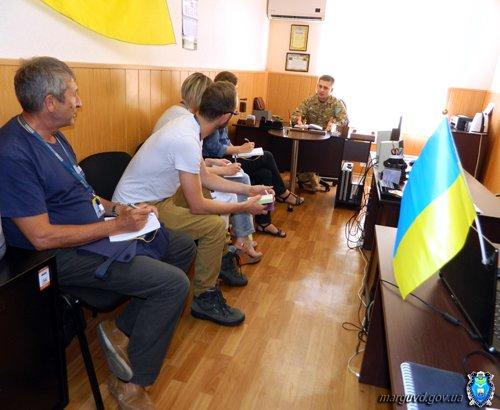 Беженцев и переселенцев в Мариуполе пытались  обманом вовлечь в порноиндустрию - милиция (ФОТО), фото-2