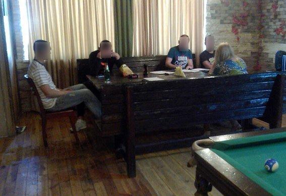 В Кременчугской бане клиентам предлагали не только банные услуги (ФОТО) (фото) - фото 1