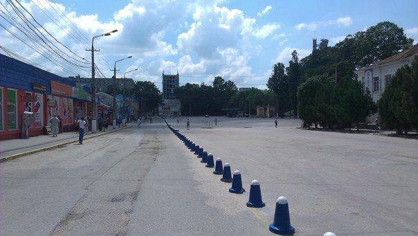 После сноса павильонов территорию бывшего рынка на ул. Козлова отремонтируют. Деньги попросят у руководства Крыма (ФОТО) (фото) - фото 1