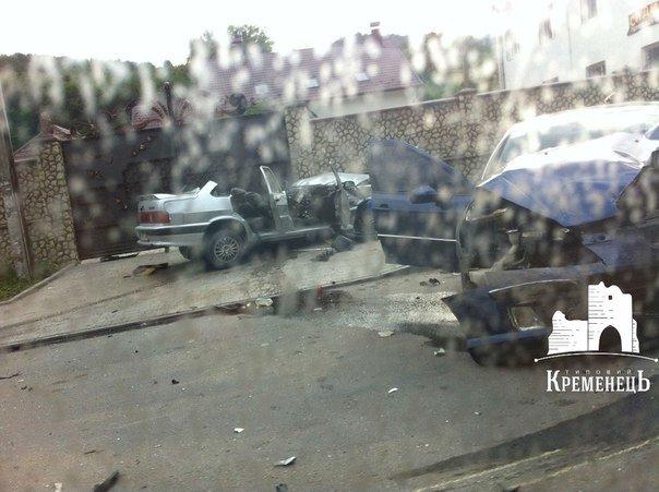 Понівечені автівки: з'явилися фото жахливої ДТП, що сталася на Тернопільщині за участю заступника прокурора (фото) - фото 1