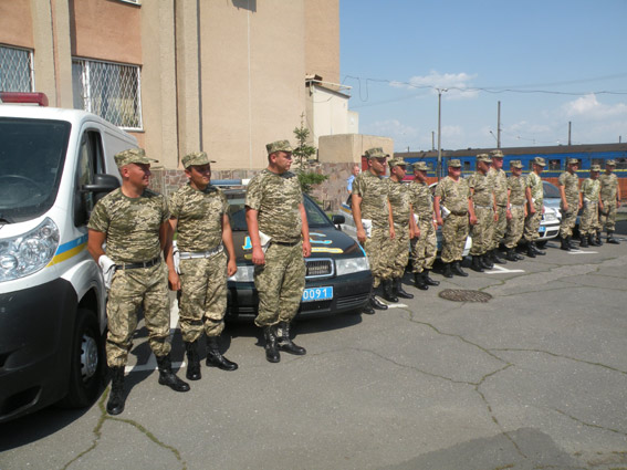 Николаевцы встретили ГАИшников, вернувшихся из зоны АТО (ФОТО) (фото) - фото 1