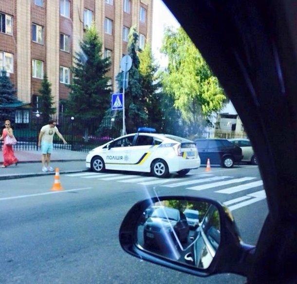 В Киеве машина полиции протаранила маршрутку (фото) - фото 1
