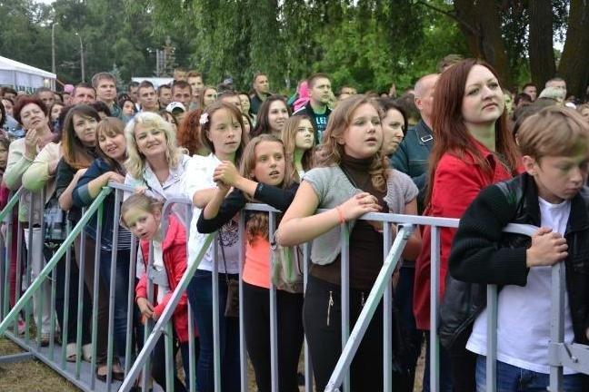 Десять тысяч черниговцев посетили концерт групп «НеАнгелы» и «ТІК», фото-9