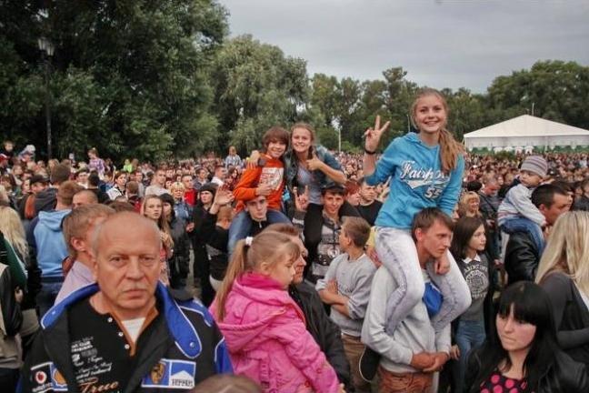 Десять тысяч черниговцев посетили концерт групп «НеАнгелы» и «ТІК», фото-4