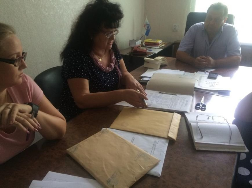 Мариупольские коммунальщики в присутствии общественности выбирали авто для евроконтейнеров (ФОТО), фото-3