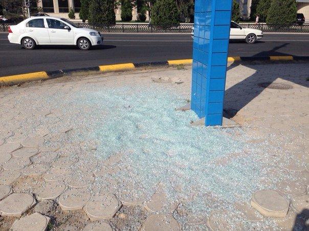 В актау был разбит билборд (фото) - фото 1