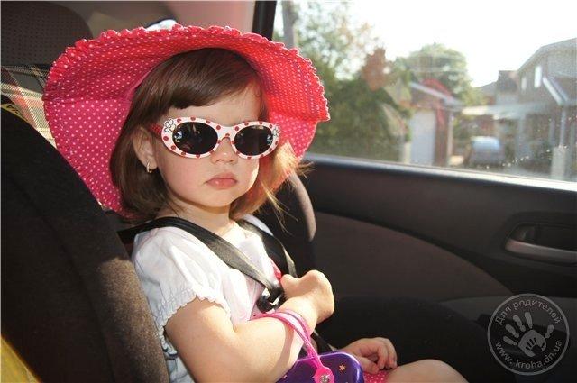 Чи потрібно купувати малюкові сонцезахисні окуляри (фото) - фото 1