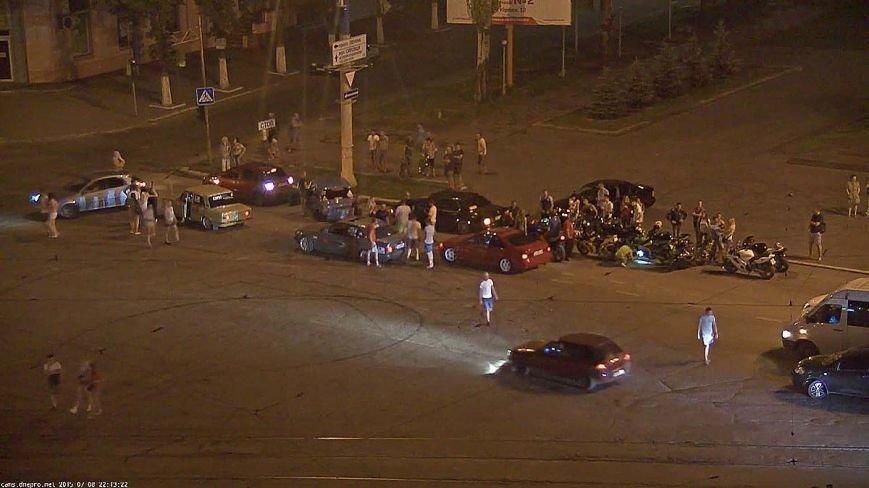 В Днепродзержинске почтили память Михаила Молчанова, погибшего в ДТП год назад, фото-1