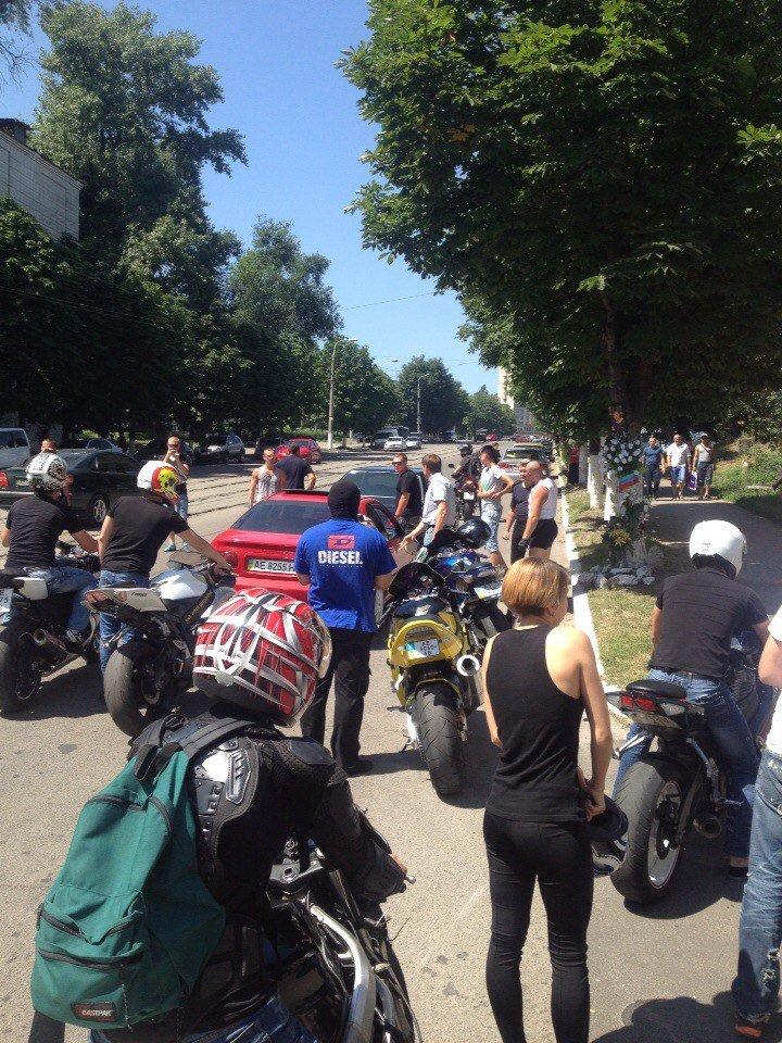 В Днепродзержинске почтили память Михаила Молчанова, погибшего в ДТП год назад, фото-5