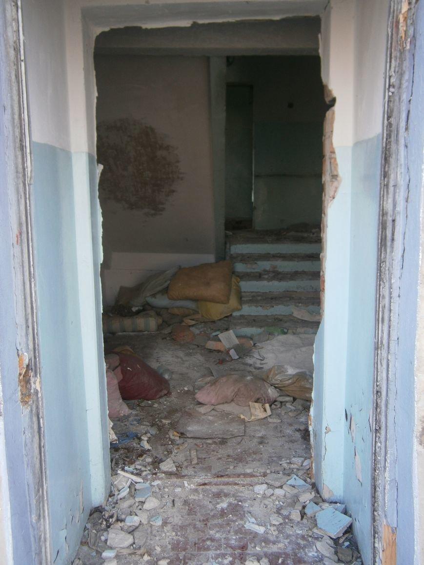 В Димитрове намерены восстановить 3 корпуса больницы, разрушение которых допустила нынешняя местная власть (ФОТО) (фото) - фото 6