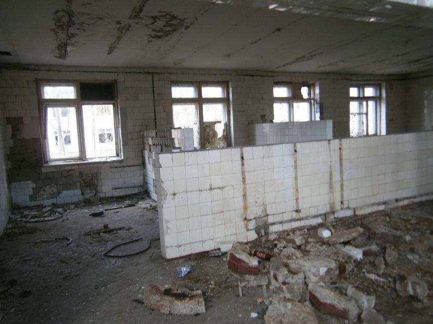 В Димитрове намерены восстановить 3 корпуса больницы, разрушение которых допустила нынешняя местная власть (ФОТО) (фото) - фото 3