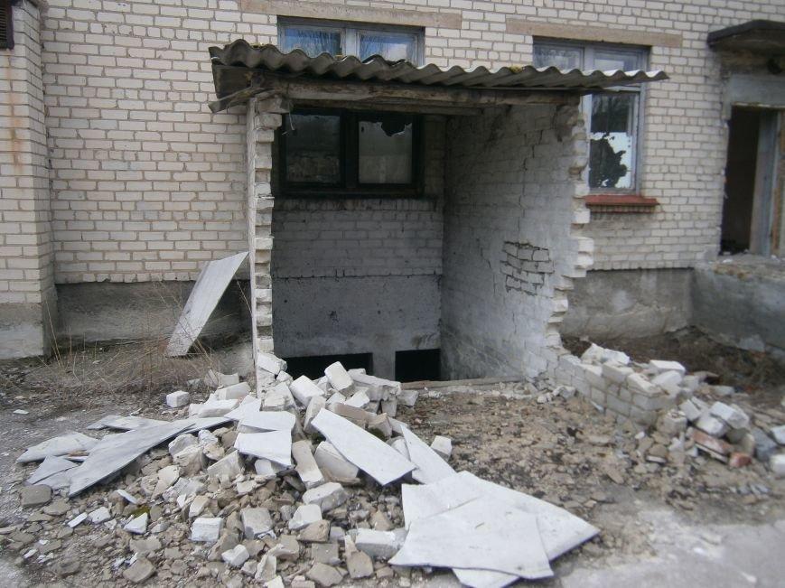 В Димитрове намерены восстановить 3 корпуса больницы, разрушение которых допустила нынешняя местная власть (ФОТО) (фото) - фото 8