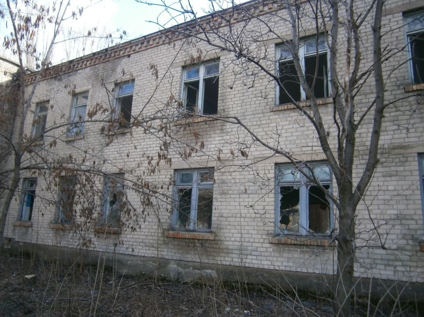В Димитрове намерены восстановить 3 корпуса больницы, разрушение которых допустила нынешняя местная власть (ФОТО) (фото) - фото 1