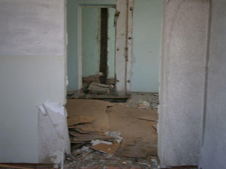 В Димитрове намерены восстановить 3 корпуса больницы, разрушение которых допустила нынешняя местная власть (ФОТО) (фото) - фото 11