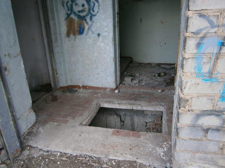 В Димитрове намерены восстановить 3 корпуса больницы, разрушение которых допустила нынешняя местная власть (ФОТО) (фото) - фото 9