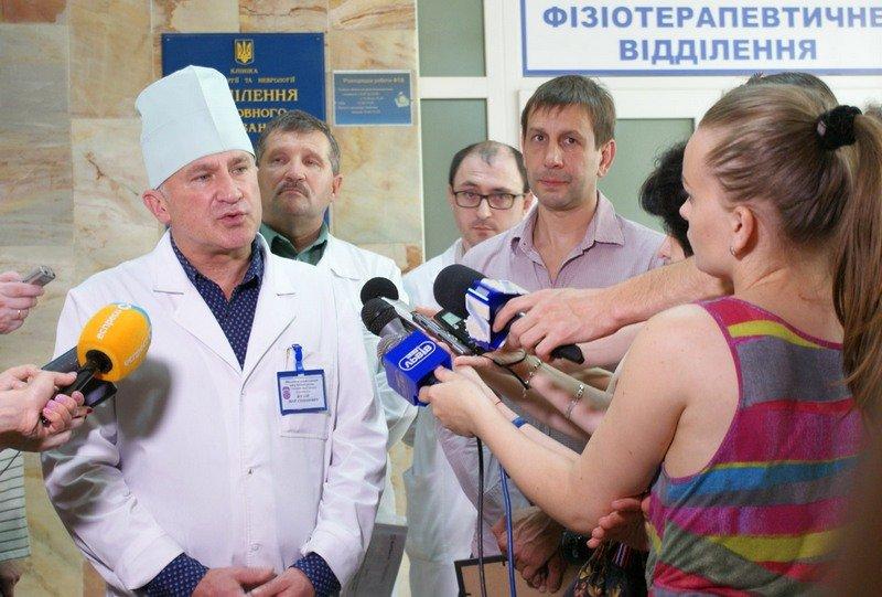 У Львові відкрили унікальний реабілітаційний кабінет-басейн для відновного лікування воїнів АТО (фото) - фото 2