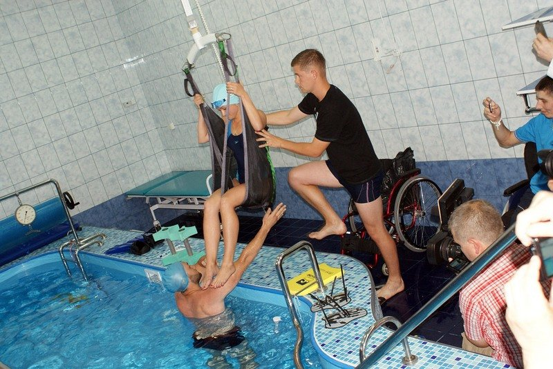 У Львові відкрили унікальний реабілітаційний кабінет-басейн для відновного лікування воїнів АТО (фото) - фото 6