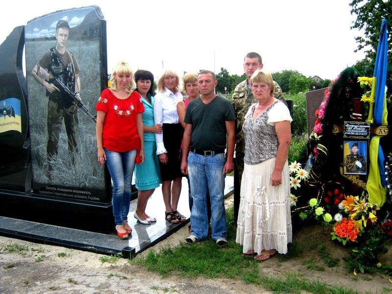Экспозиция, посвященная участникам АТО, открылась в Днепропетровской области (фото) - фото 5