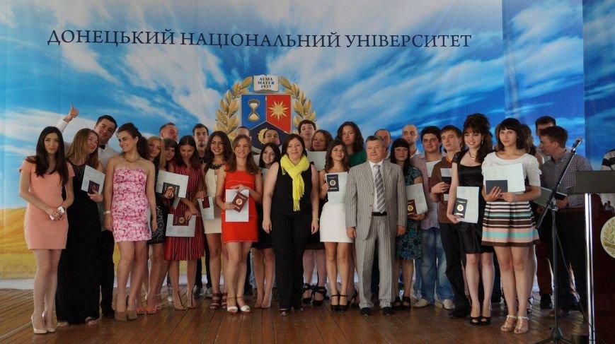 «ДНР» выдала выпускникам ВУЗов дипломы собственного образца (ФОТО), фото-4