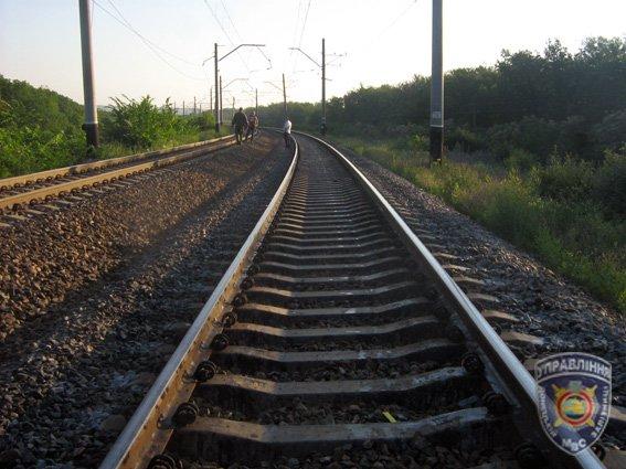 На Харьковщине поезд насмерть сбил троих подростков (ФОТО) (фото) - фото 1