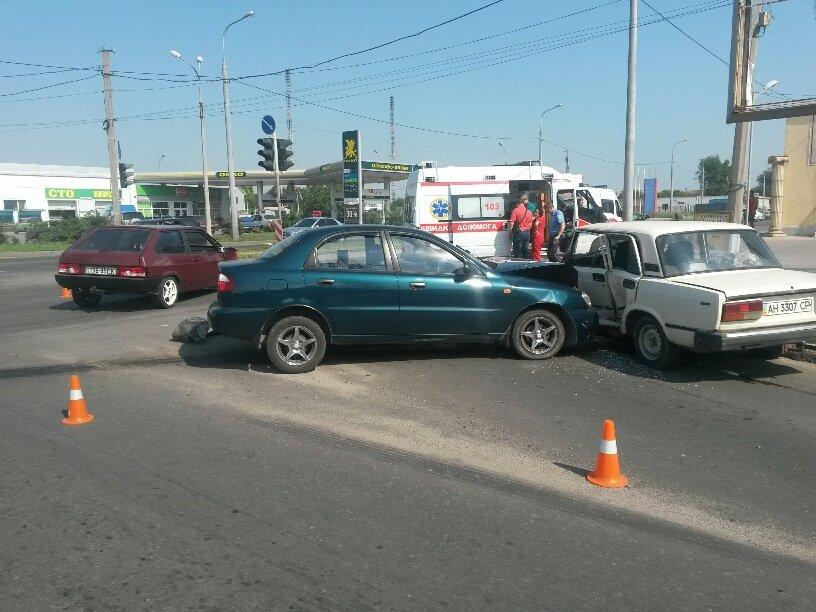 Тройное ДТП в Мариуполе: пострадали 2 человека (ФОТО), фото-4