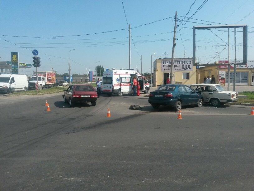 Тройное ДТП в Мариуполе: пострадали 2 человека (ФОТО), фото-3
