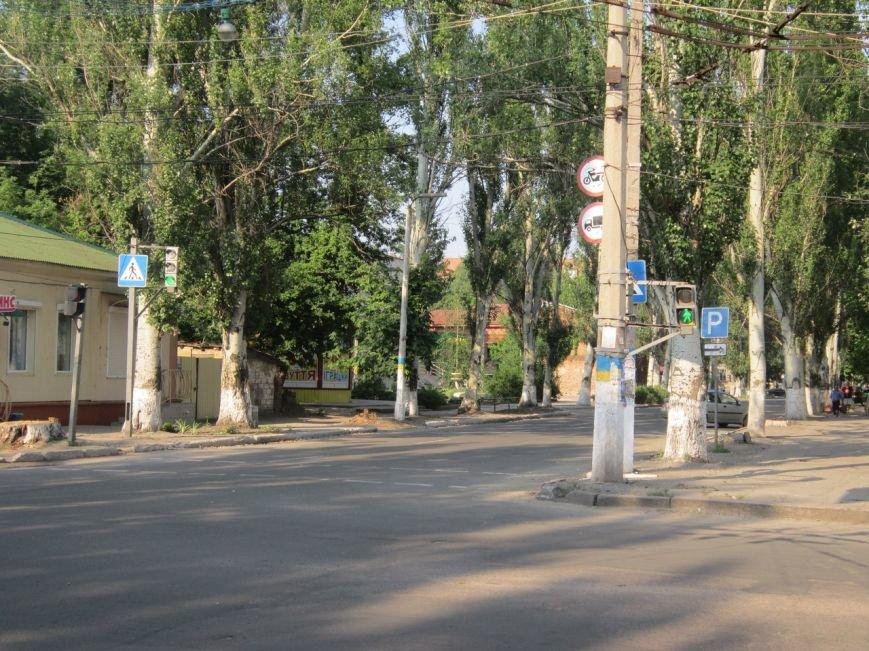 В Славянске заработали светофоры на проблемном перекрестке в центре города (фото) - фото 1