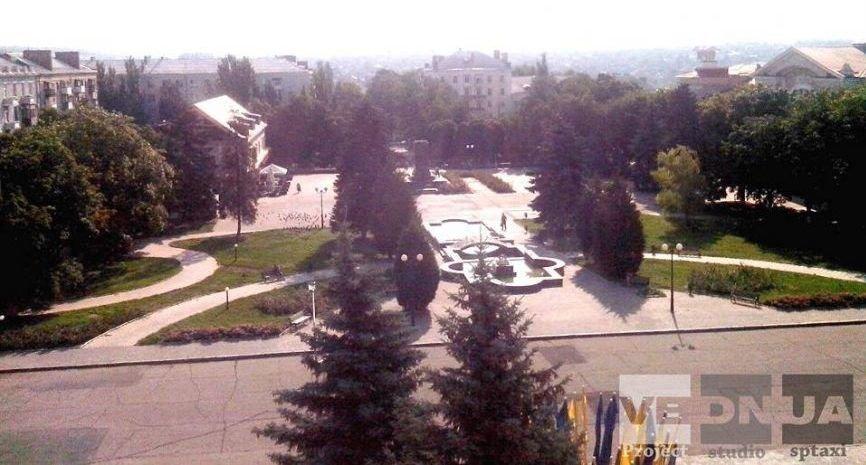 Донецкая область продолжает избавляться от памятников идолам коммунизма (ФОТО, ВИДЕО) (фото) - фото 1