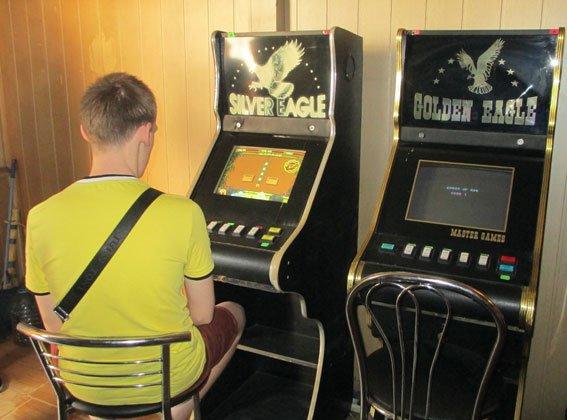 В Запорожье милиция закрыла три зала игровых автоматов (ФОТО) (фото) - фото 1