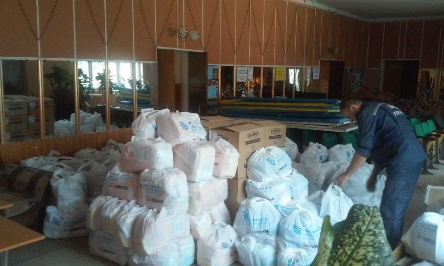 Венгрия передала в Павлоград более 200 комплектов с гуманитаркой для переселенцев, фото-2