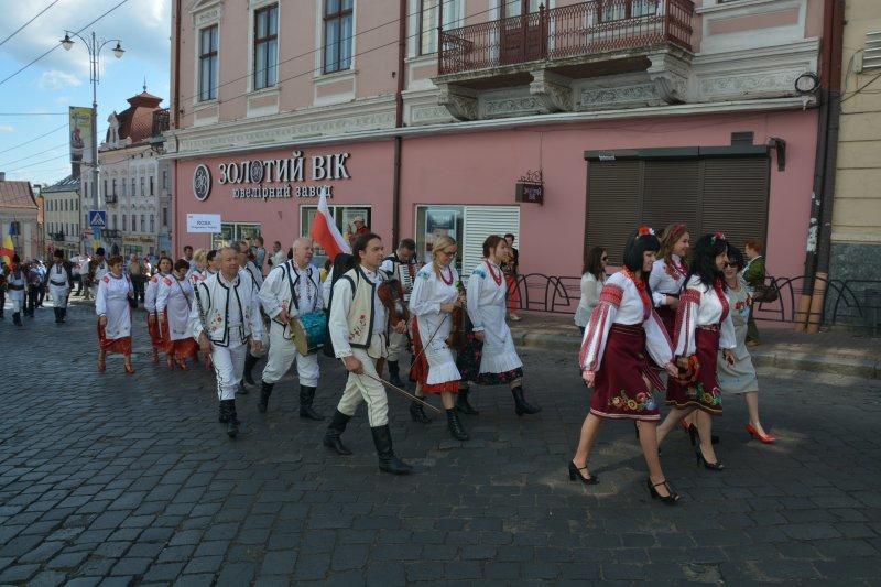 У Чернівцях відкрився Петрівський ярмарок, фото-1