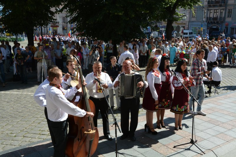 У Чернівцях відкрився Петрівський ярмарок, фото-5
