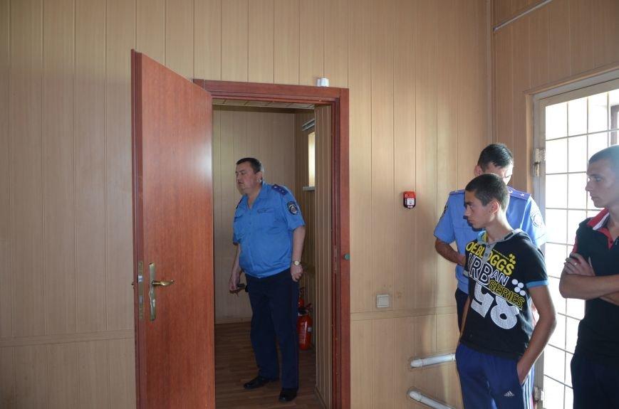 Мариупольским подросткам показали, что скрывается за колючей проволокой (ФОТО+ВИДЕО), фото-2
