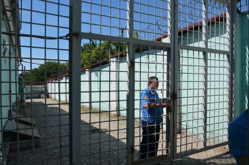 Мариупольским подросткам показали, что скрывается за колючей проволокой (ФОТО+ВИДЕО), фото-12