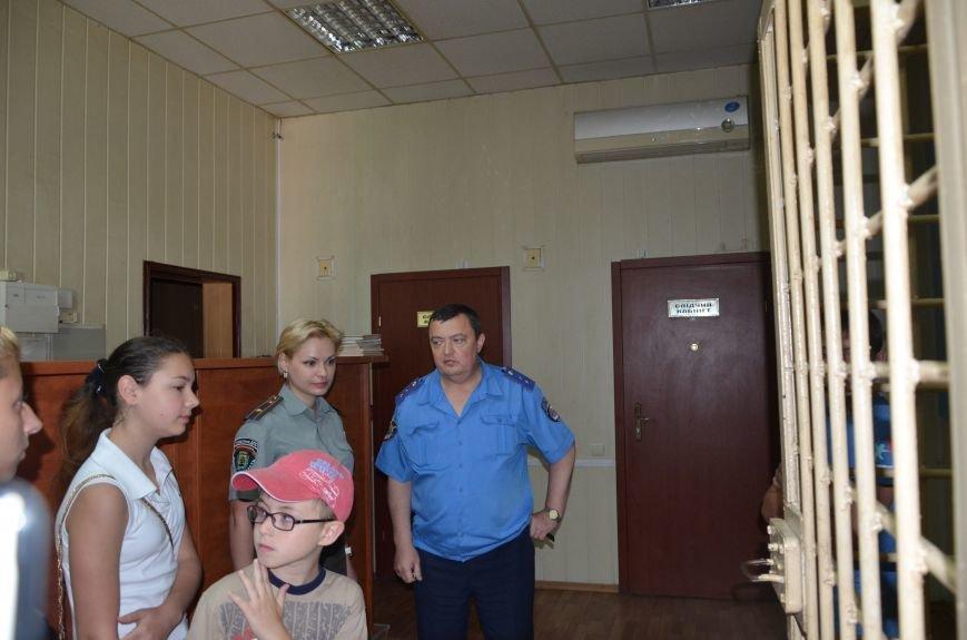 Мариупольским подросткам показали, что скрывается за колючей проволокой (ФОТО+ВИДЕО), фото-4
