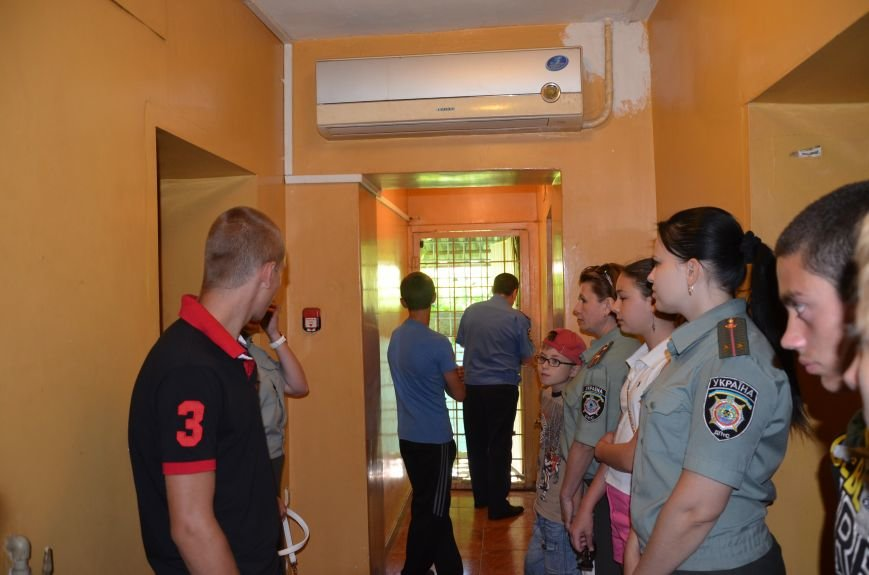 Мариупольским подросткам показали, что скрывается за колючей проволокой (ФОТО+ВИДЕО), фото-9