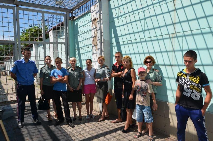 Мариупольским подросткам показали, что скрывается за колючей проволокой (ФОТО+ВИДЕО), фото-25