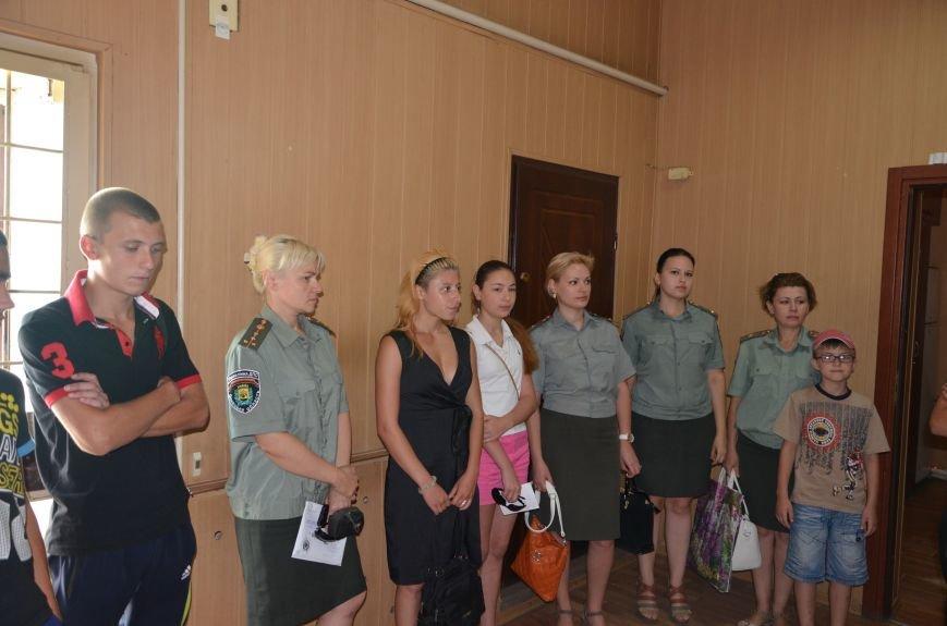 Мариупольским подросткам показали, что скрывается за колючей проволокой (ФОТО+ВИДЕО), фото-1