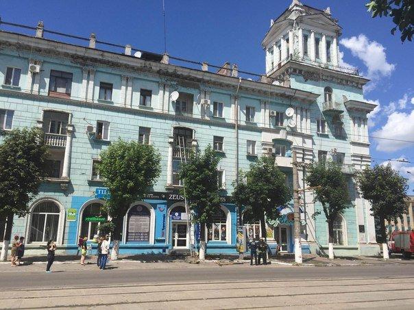 В Днепродзержинске из-за сигареты едва не сгорела квартира по ул. Сыровца (фото) - фото 3