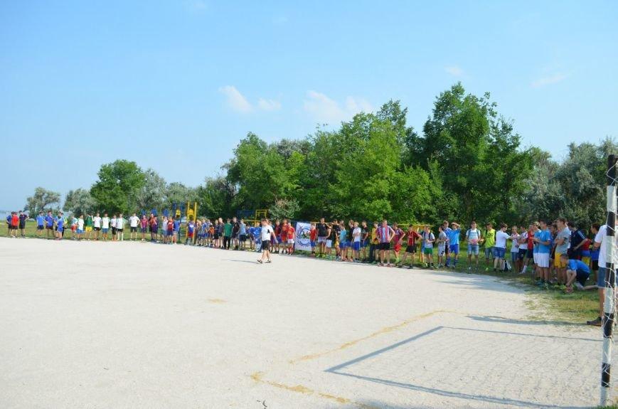 В Николаеве прошел турнир по пляжному футболу (ФОТОРЕПОРТАЖ) (фото) - фото 3